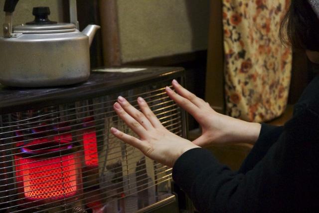 危なく ない 暖房 器具